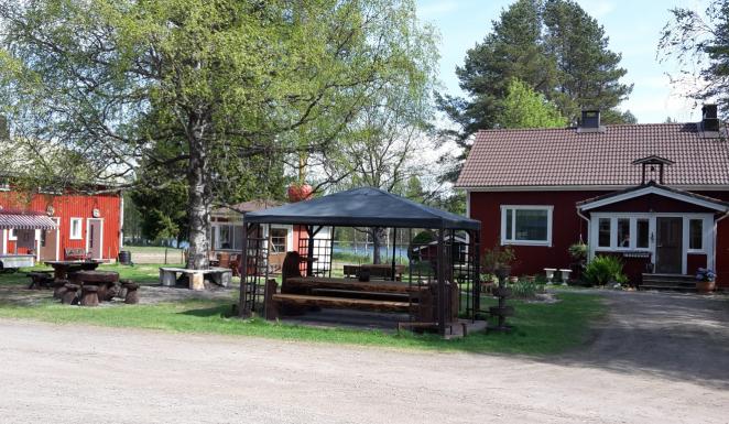 Matkailuvinkki: Hyvän Haltijan marjat & majatalo (Ikaalinen)